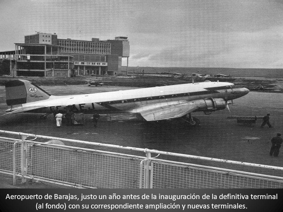 Aeropuerto de Barajas, justo un año antes de la inauguración de la definitiva terminal (al fondo) con su correspondiente ampliación y nuevas terminale