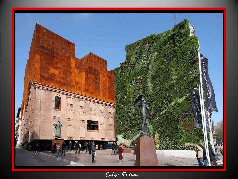 Paseo de Recoletos - Fuente de las Columnas