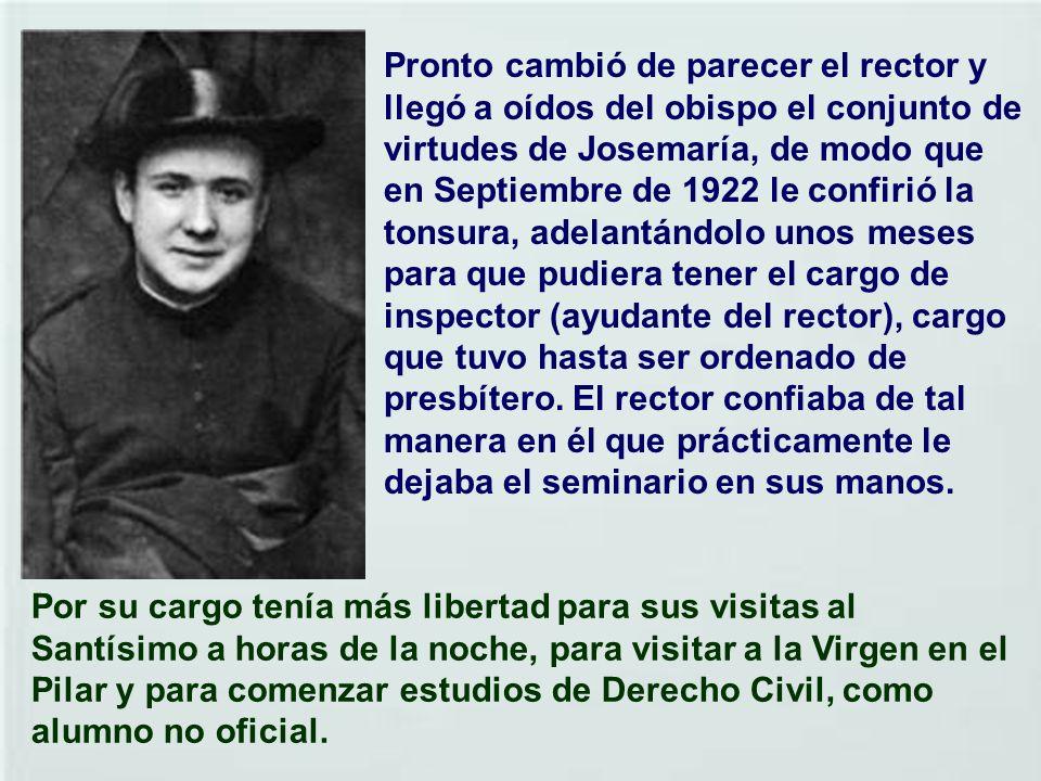 Para complacer a su padre, que quería que estudiase derecho, convenía terminar la teología en Zaragoza. Allí tenía algunos tíos. Ingresó el 28 de Sept