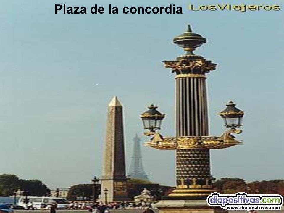 La plaza vendome y columna de Napoleón
