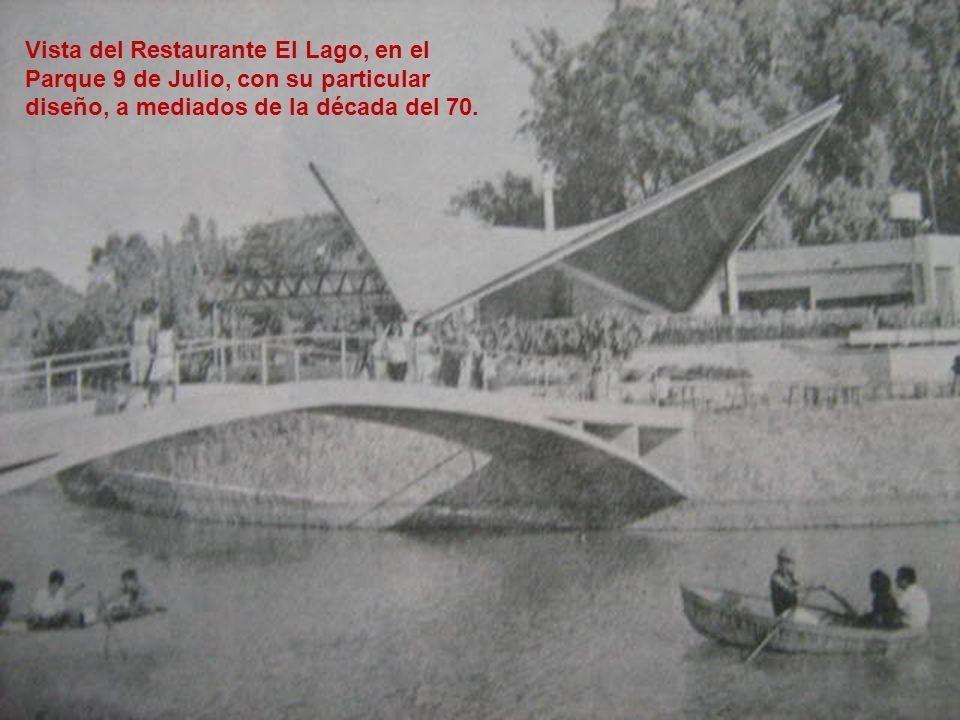 Vista del Restaurante El Lago, en el Parque 9 de Julio, con su particular diseño, a mediados de la década del 70.