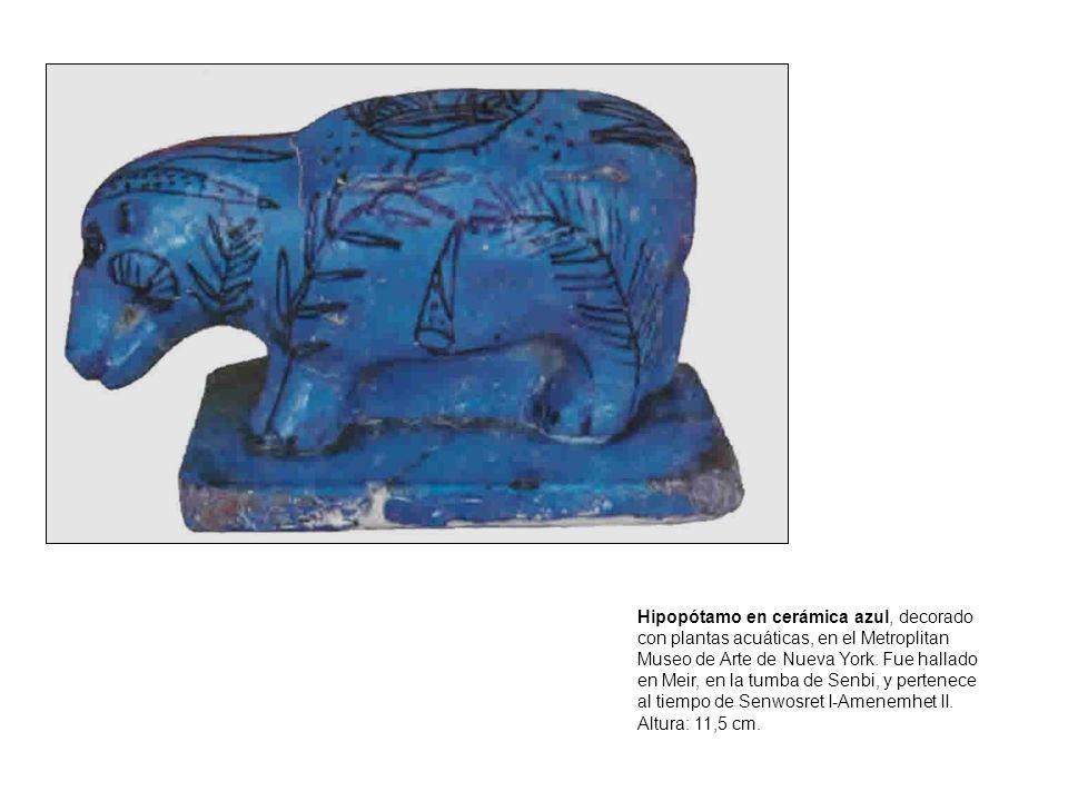 Hipopótamo en cerámica azul, decorado con plantas acuáticas, en el Metroplitan Museo de Arte de Nueva York.