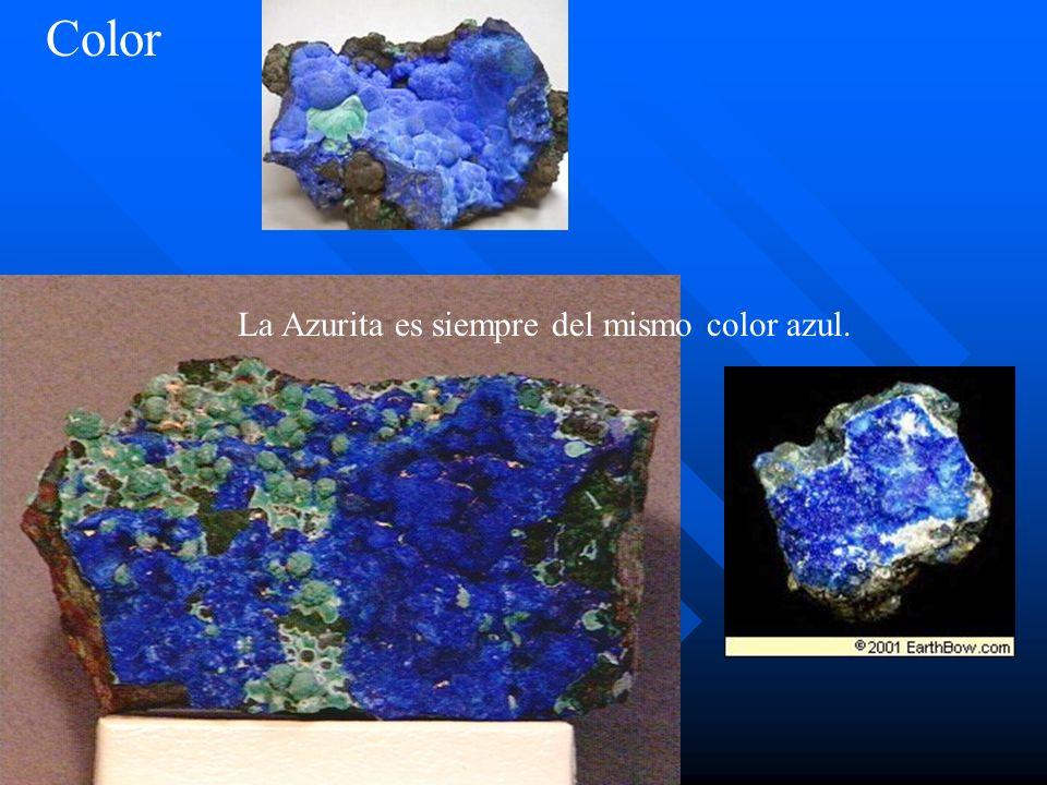 Color La Azurita es siempre del mismo color azul.