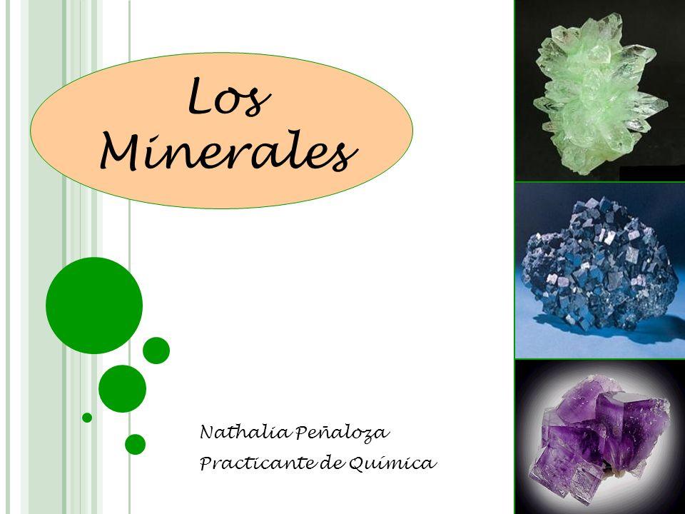 Un mineral es un sólido inorgánico, compuesto por uno o más elementos químicos, formado a través de un proceso natural.