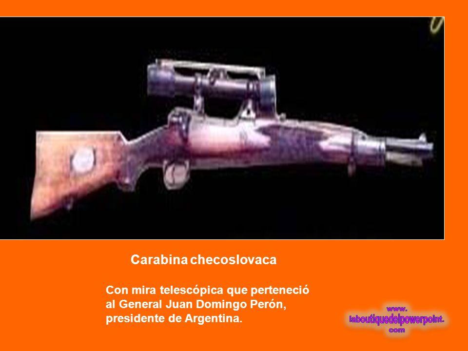 Pareja de revólveres Colt calibre 45 Obsequio del Presidente de México, Miguel Alemán, a este Museo.