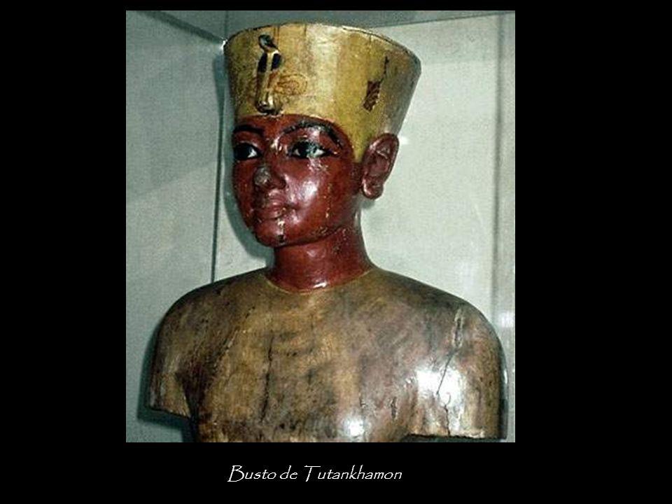 La tumba del faraón contenía 413. El Chaouabti sustituye a la fallecida en todas las tareas relacionadas con la lectura de la casa real. El trabajo do
