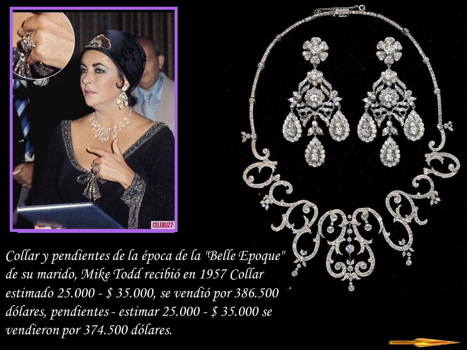 Da - Ma Oro - Brazalete de diamantes Tonnelles de Van Cleef & Arpels - estimación 30.000 - $ 50.000, se vendió por 146.500 dólares Anillo de diamantes de zafiro en oro blanco.