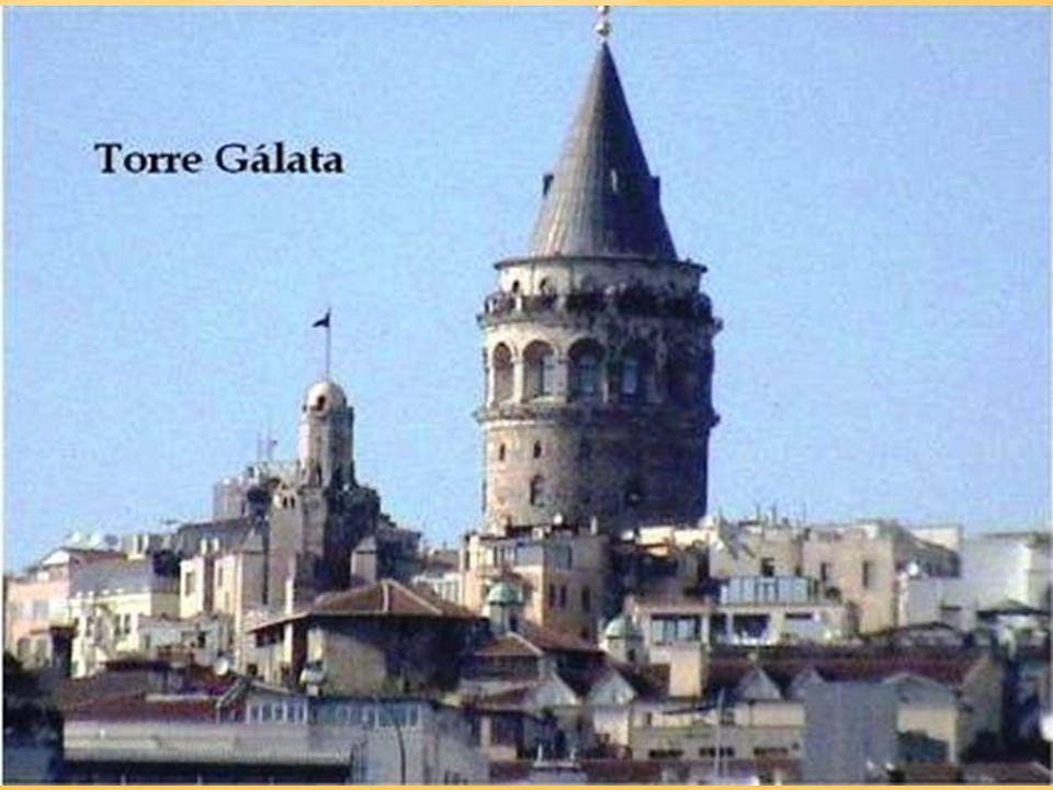 Torre Gálata Es una torre de 61 metros de altura (140 m.