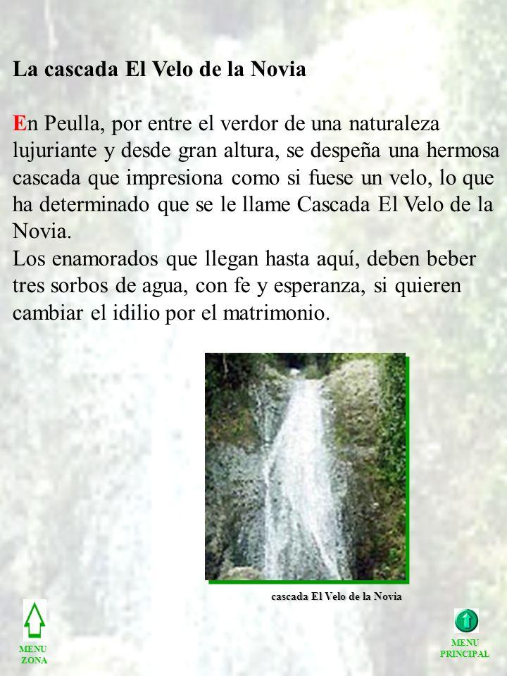 La cascada El Velo de la Novia En Peulla, por entre el verdor de una naturaleza lujuriante y desde gran altura, se despeña una hermosa cascada que imp