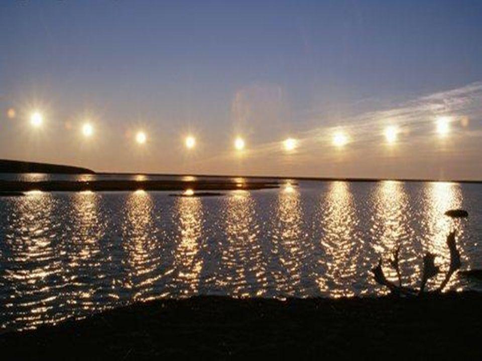10 razones para vivir en Alaska La gente La comida El paisaje El tráfico El Sol de medianoche