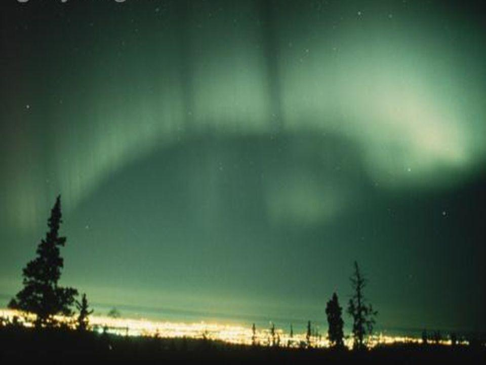 10 razones para vivir en Alaska La gente La comida El paisaje El tráfico El Sol de medianoche La Aurora Boreal