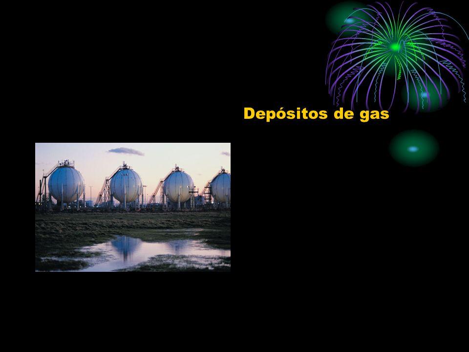 La mayor parte del gas se distribuye por gaseoductos desde los yacimientos hasta los puntos de consumo.
