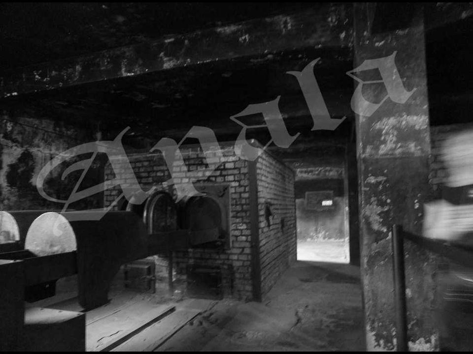 Auschwitz I – horno crematorio en el edificio de la primera cámara de gas del crematorio del campo. Según los cálculos realizados por las autoridades