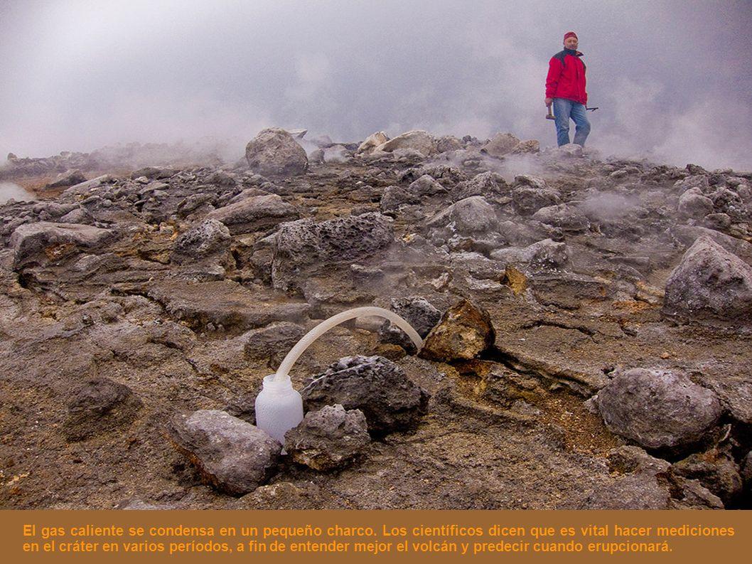 El gas caliente se condensa en un pequeño charco. Los científicos dicen que es vital hacer mediciones en el cráter en varios períodos, a fin de entend