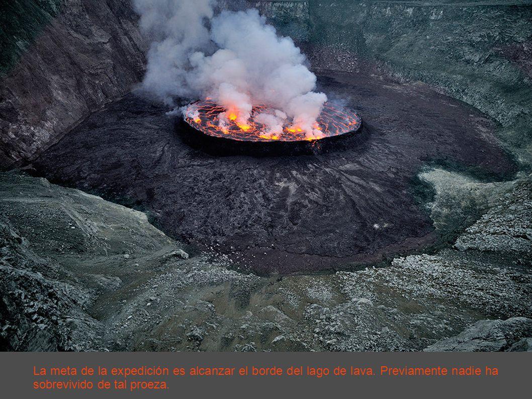La meta de la expedición es alcanzar el borde del lago de lava. Previamente nadie ha sobrevivido de tal proeza.