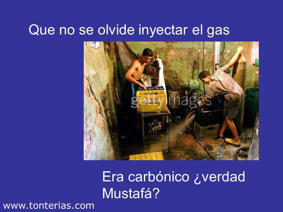 Luego se rellenan los envases Con la fórmula secreta, (esa que sólo conocen dos personas en el mundo). www.tonterias.com