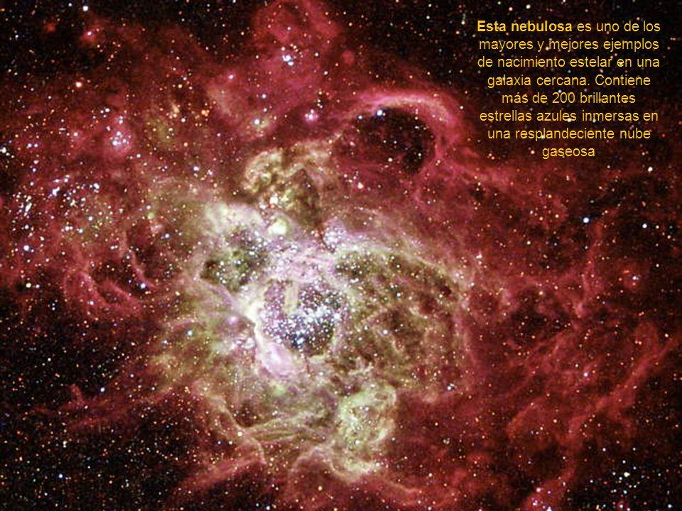 CHOQUE DE GALAXIAS Esta imagen del Telescopio Espacial Hubble releva los fuegos artificiales en el centro de una colisión entre dos galaxias. Son más