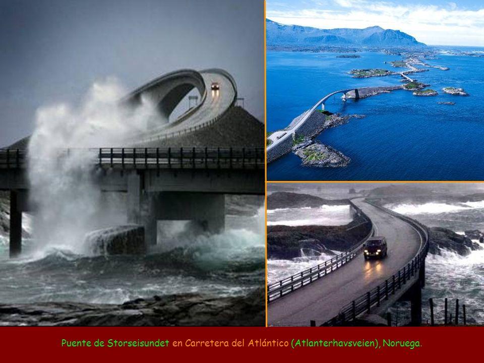 Puente de Storseisundet en Carretera del Atlántico (Atlanterhavsveien), Noruega.