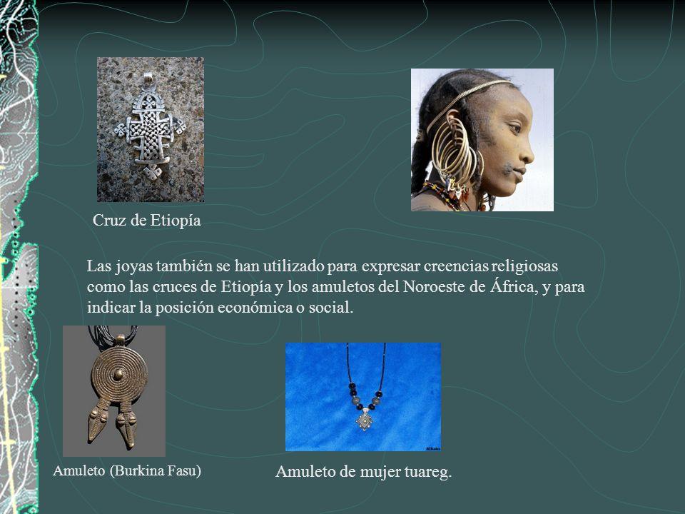 Brazaletes de marfil del pueblo Yoruba, Nigeria del siglo 16 al 18.