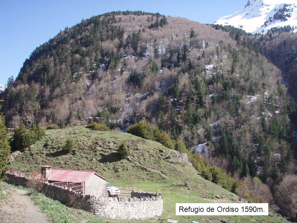 Refugio de Ordiso 1590m.