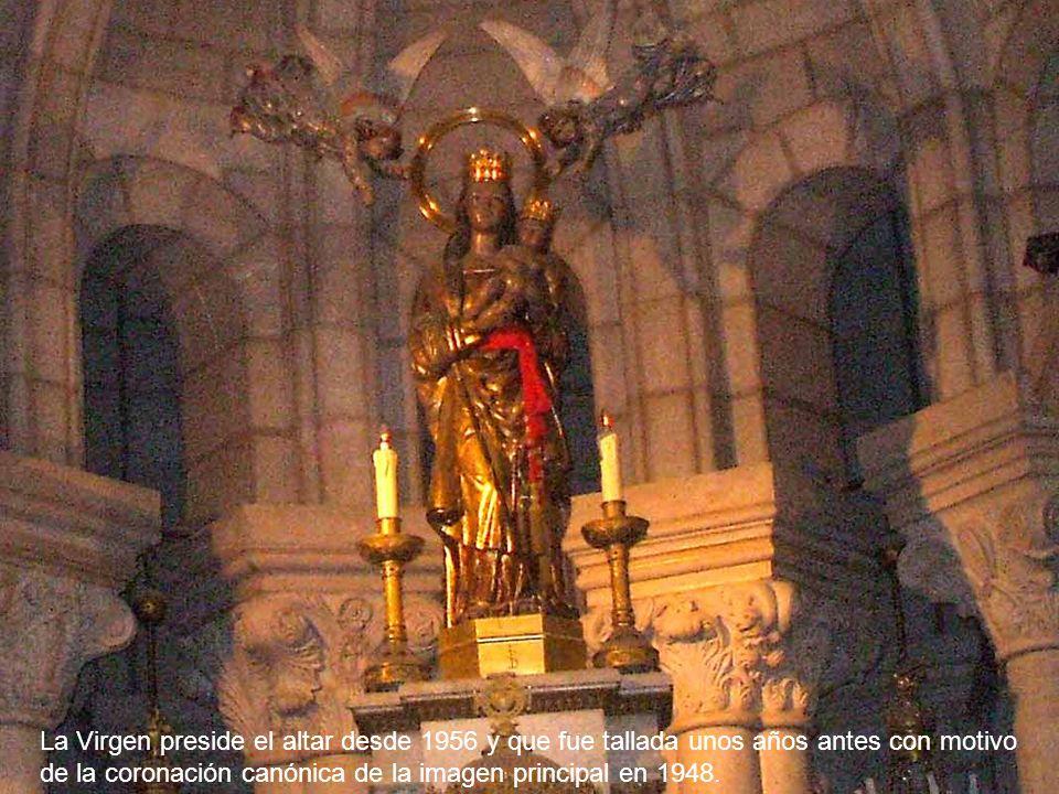 La Capilla Mayor del ábside es concebida a modo de templete. No tiene retablo. En el centro sobre un pilar se venera una imagen reciente de Nuestra Se