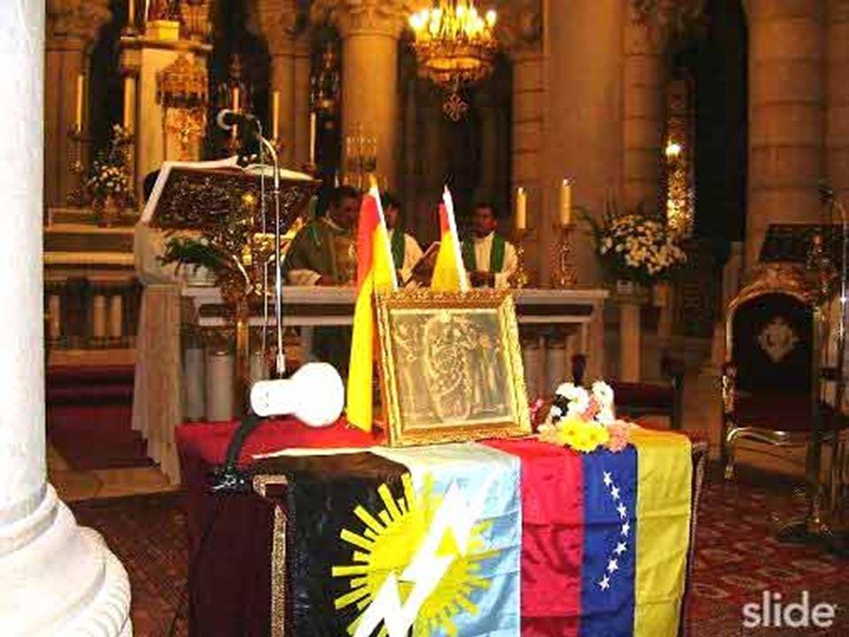 La Virgen preside el altar desde 1956 y que fue tallada unos años antes con motivo de la coronación canónica de la imagen principal en 1948.