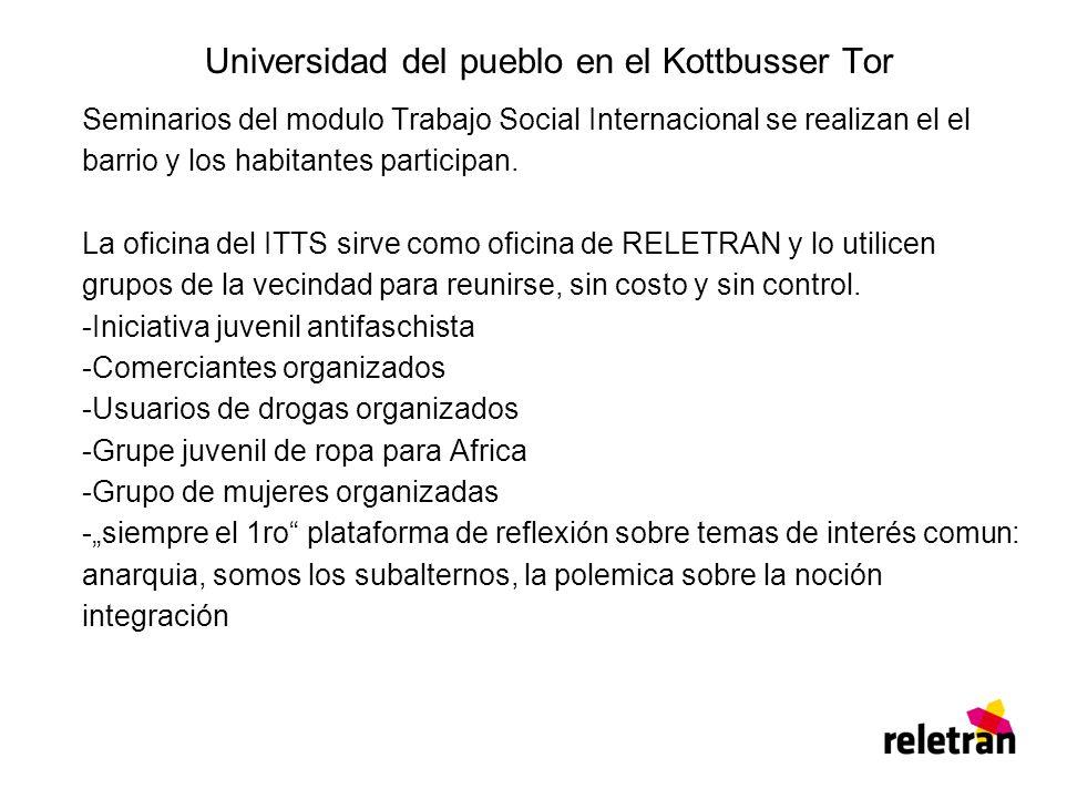 Universidad del pueblo en el Kottbusser Tor Seminarios del modulo Trabajo Social Internacional se realizan el el barrio y los habitantes participan.