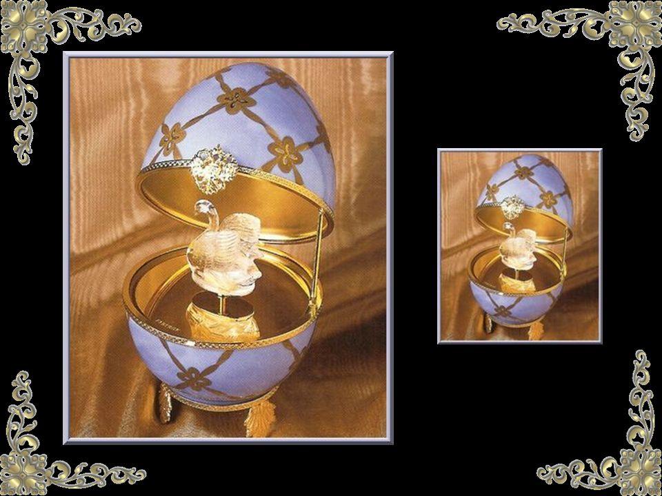 Fabergé se inspiraba en el arte bizantino. Otros huevos se añadieron a la colección y conmemoraban algunas fechas importantes como la coronación del Z
