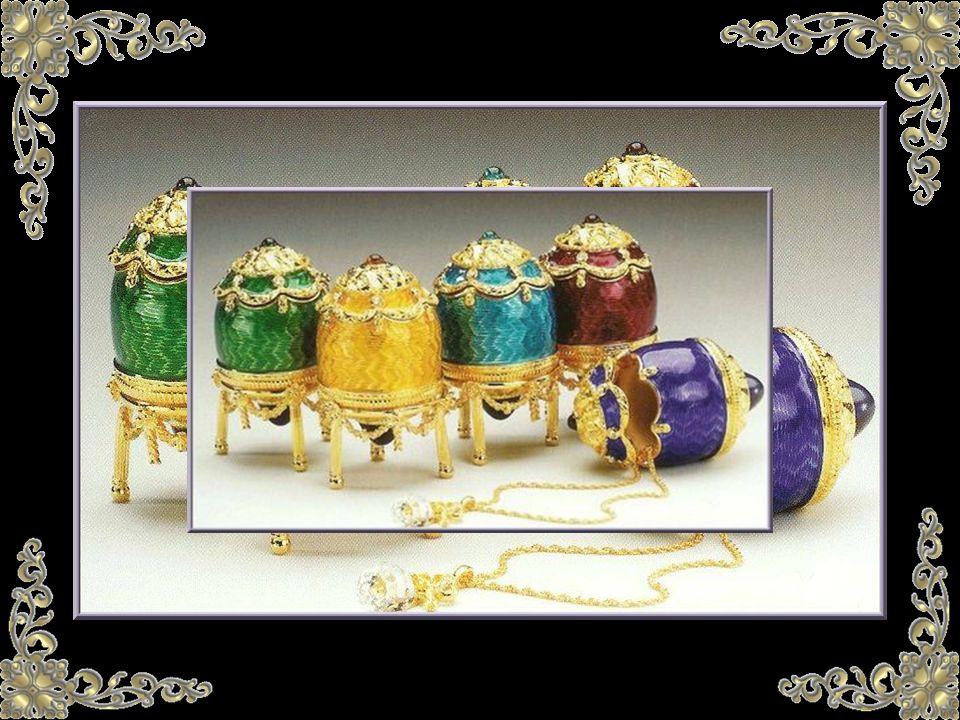De los 47 Huevos que se conocen, diez son conservados en Moscú, por el Kremlin, once son parte de la colección Forbes en Nueva York, potentados americanos tienen otros dieciséis, ocho están en colecciones privadas europeas y dos huevos escapan a toda localización...