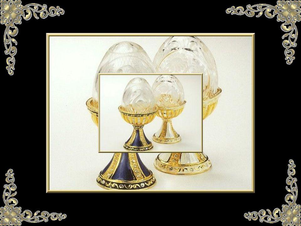 En cuanto a los 2 huevos Fabergé que faltan... se dice que ciertamente los dueños desean guardar el anonimato. Esto es totalmente comprensible cuando