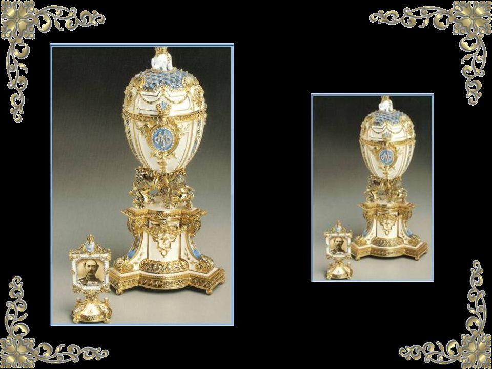 ¿Fabergé crea huevos solamente para la Familia del Zar? En absoluto, el multimillonario y magnate del oro siberiano, Alexandre Ferdinandovitch Kelch o