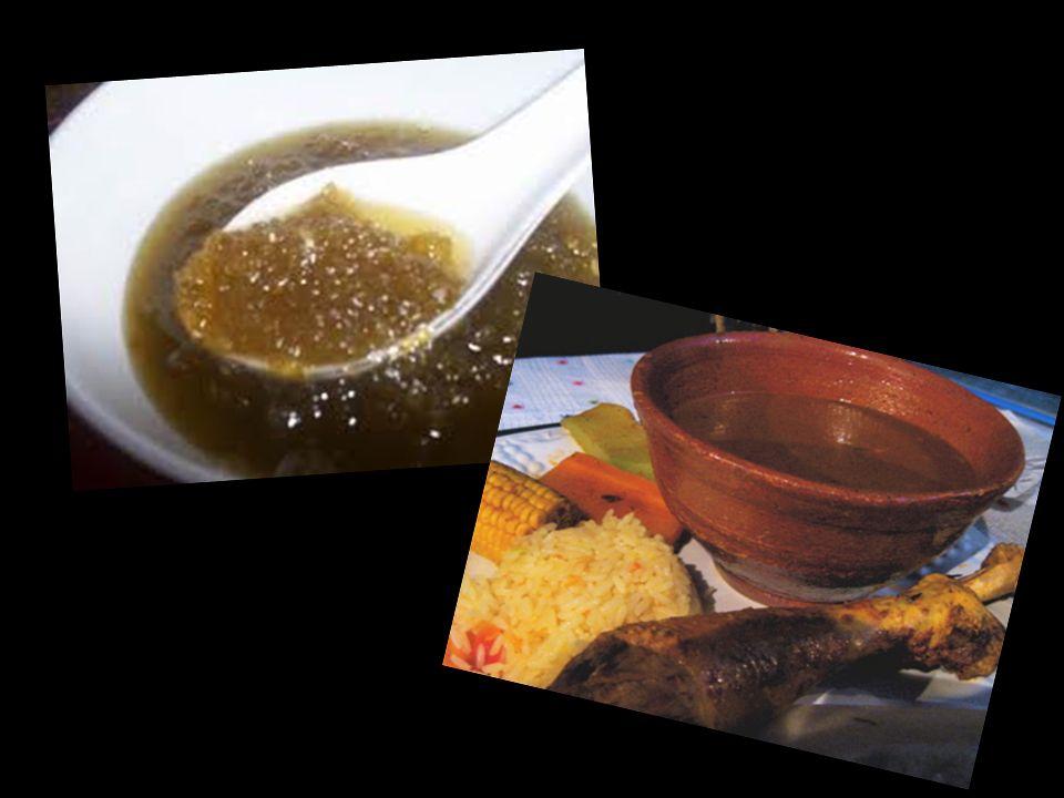 La comida Los alimentos naturales predominaban dentro de la alimentación prehispánica. Entre ellos destacan: Los nopales y quelites Los acociles y cha