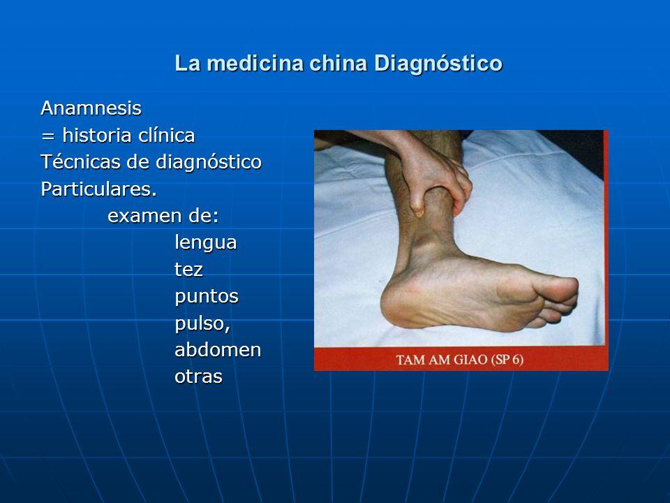 La medicina china Diagnóstico La medicina china Diagnóstico Anamnesis = historia clínica Técnicas de diagnóstico Particulares. examen de: lenguatezpun