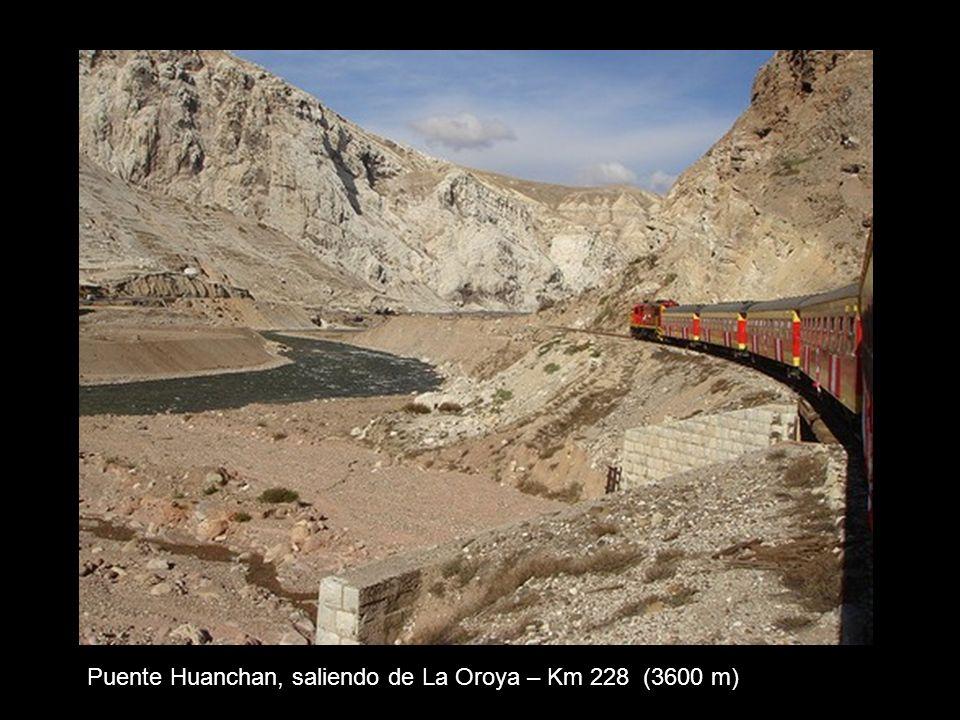 Ramal de carga en La Oroya para transportar mineral desde Cerro de Pasco