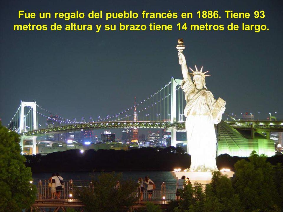 La Estatua de la Libertad es la primera cosa que muchos inmigrantes ven.