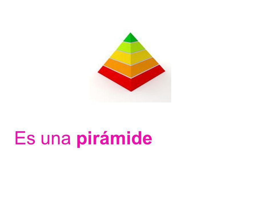 Son tres cubos, uno morado, otro amarillo, y otro verde