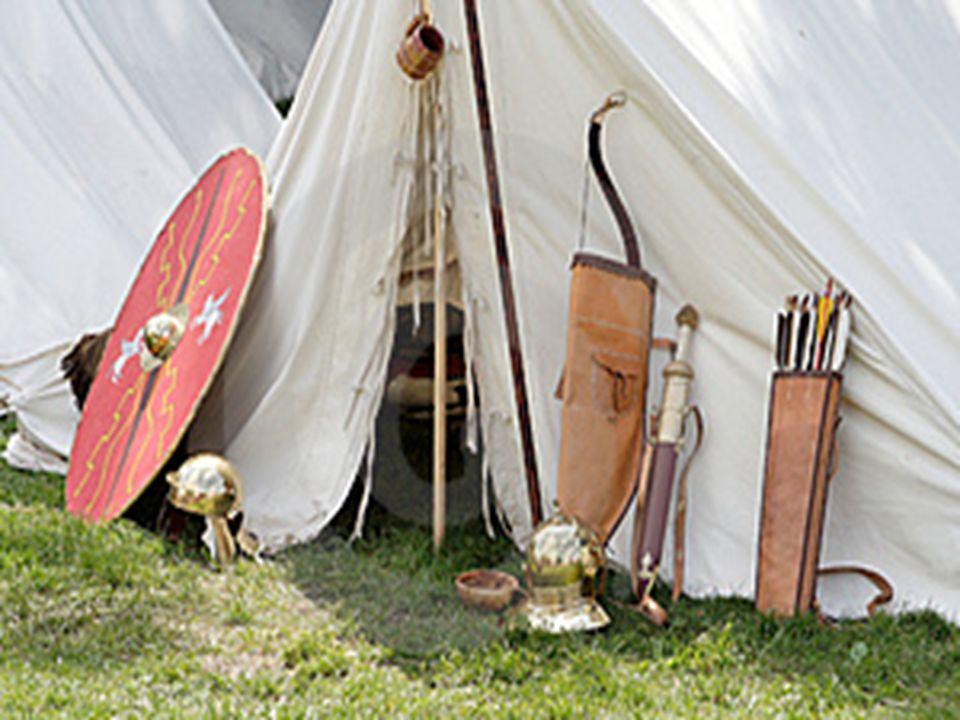 Ingeniería romana para la guerra Los romanos desarrollaron y perfeccionaron la ingeniería militar.
