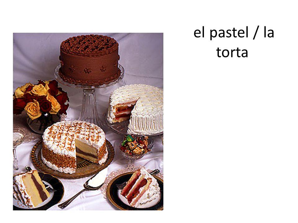 el pastel / la torta