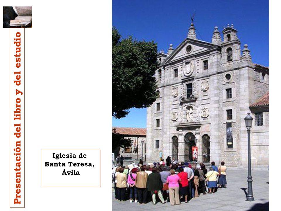 Lo escribió dos veces. Entre los 46 y 50 años de edad: Toledo 1562; y Ávila 1565. Sólo la segunda redacción ha llegado hasta nosotros. Realizada en la