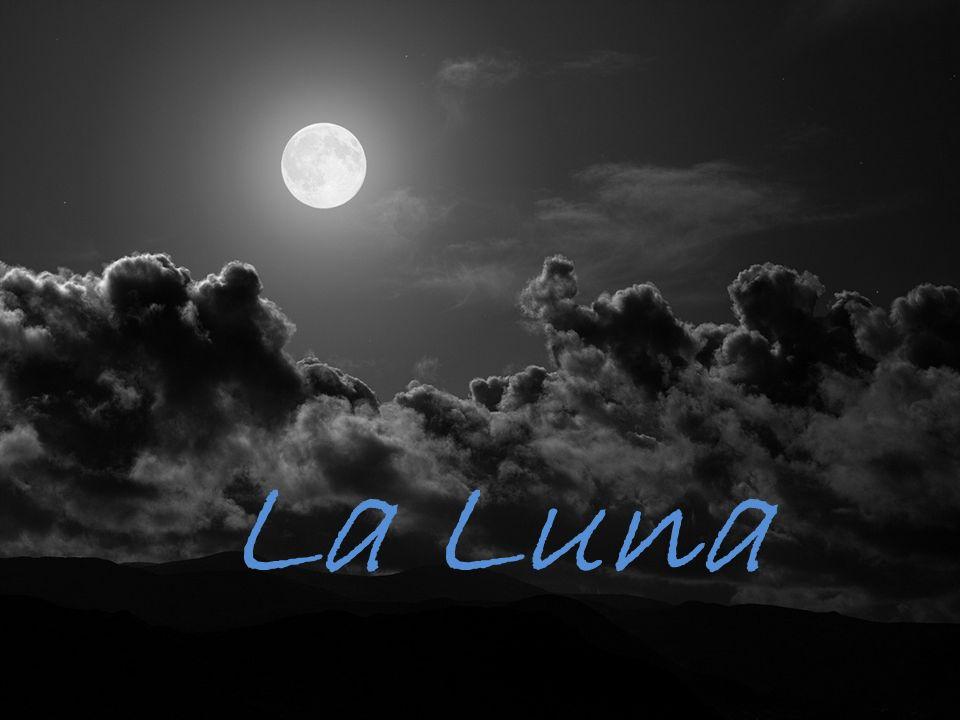 Algunas características sobre la Luna Es el único satélite natural de la Tierra Su diámetro es de 3.476 km.