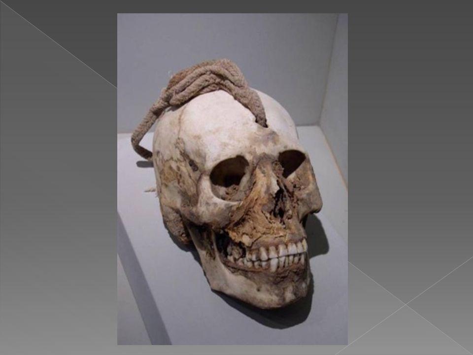 Se dice que los Nazca creían que los cerros eran dioses, así como el mar, el cielo, la tierra, el fuego y el agua.