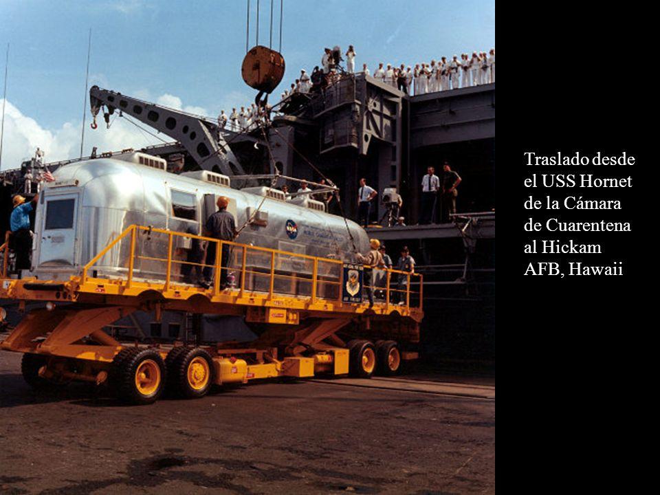 Traslado desde el USS Hornet de la Cámara de Cuarentena al Hickam AFB, Hawaii