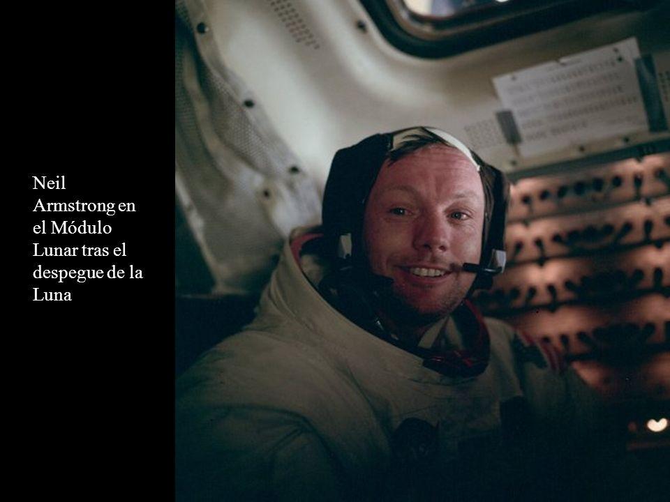 Buzz Aldrin en el Módulo Lunar tras el despegue