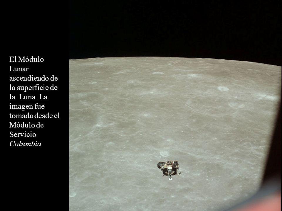 El Módulo Lunar ascendiendo de la superficie de la Luna.