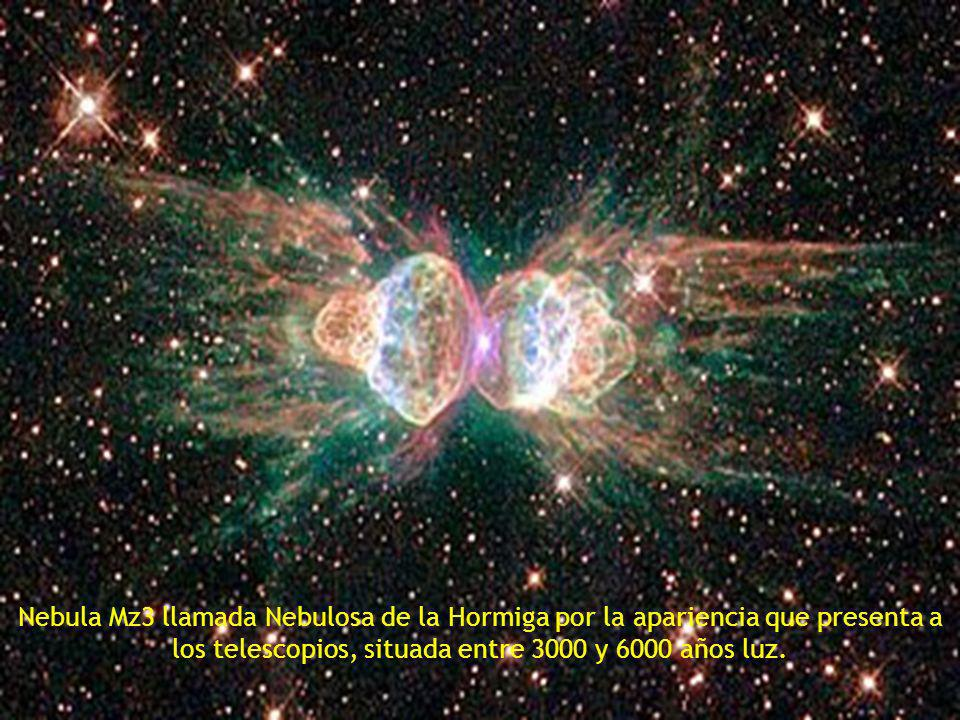 Nebula Mz3 llamada Nebulosa de la Hormiga por la apariencia que presenta a los telescopios, situada entre 3000 y 6000 años luz.