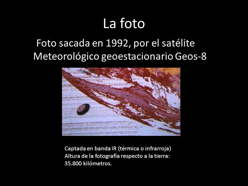 La foto Foto sacada en 1992, por el satélite Meteorológico geoestacionario Geos-8 Captada en banda IR (térmica o infrarroja) Altura de la fotografía r