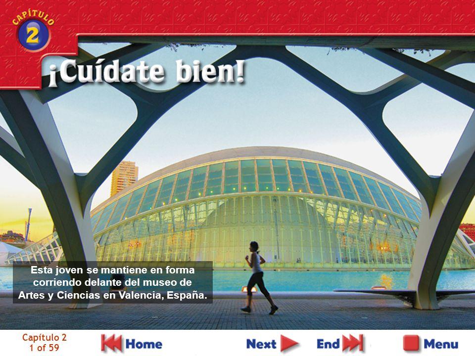 Capítulo 2 1 of 59 Esta joven se mantiene en forma corriendo delante del museo de Artes y Ciencias en Valencia, España.