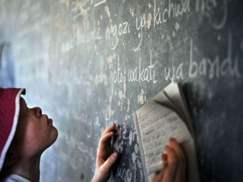 Tienen dificultades en la escuela para ver la pizarra. Profesores y compañeros los discriminan e insultan. Encontrar trabajo es difícil, se les margin