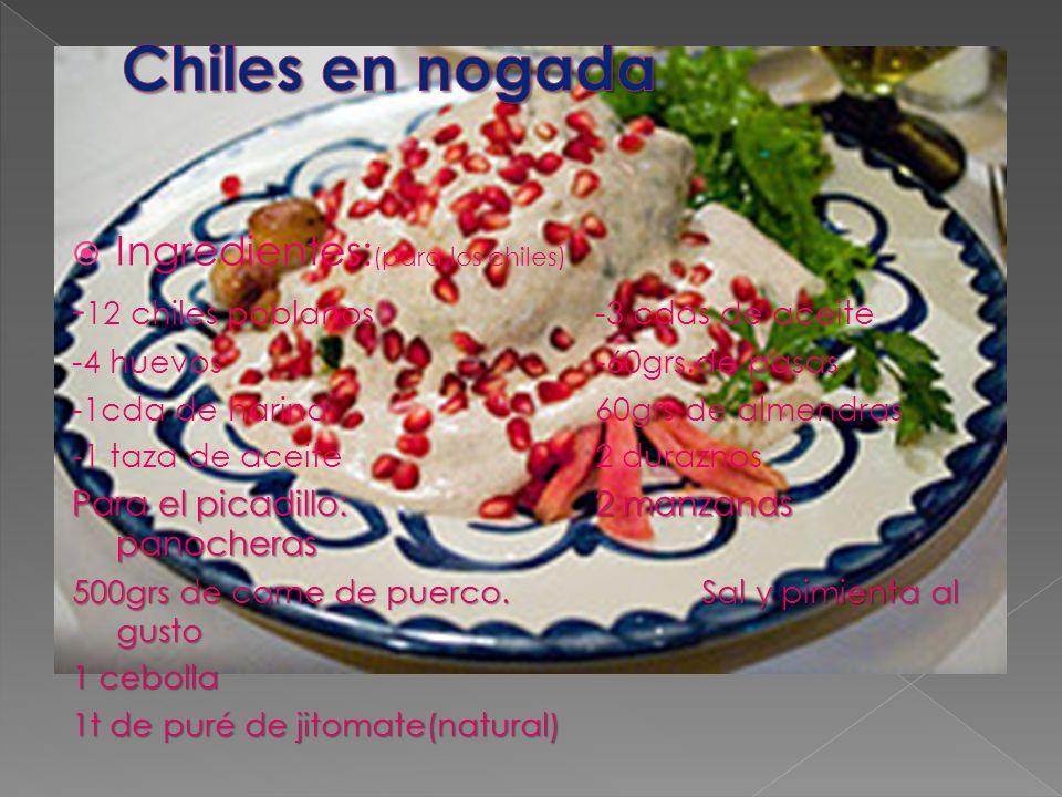 Ingredientes: (para los chiles) - 12 chiles poblanos-3 cdas de aceite -4 huevos-60grs.de pasas -1cda de harina60grs de almendras -1 taza de aceite2 du