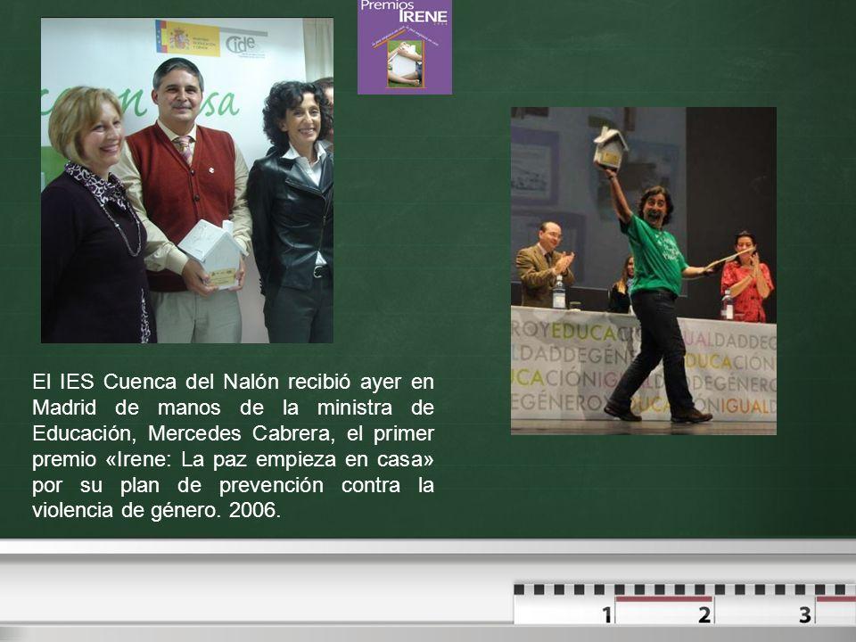 El IES Cuenca del Nalón recibió ayer en Madrid de manos de la ministra de Educación, Mercedes Cabrera, el primer premio «Irene: La paz empieza en casa